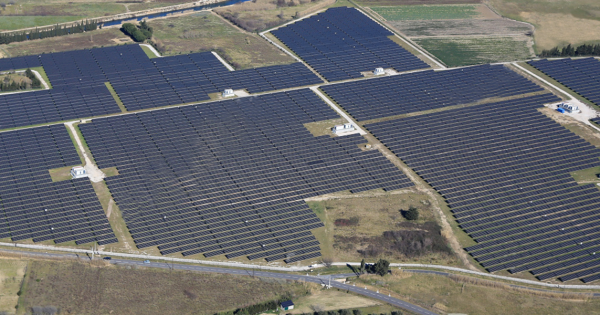 Solar Power is Cheaper, but the World is still running on Fossil Fuels